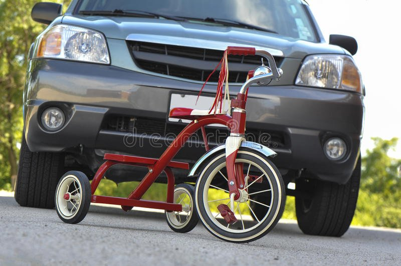 child-s-tricycle-front-suv-dangerously-parked-large-33519225.jpg.f8e2dcf55816bd5214e5d69c7fd7381c.jpg