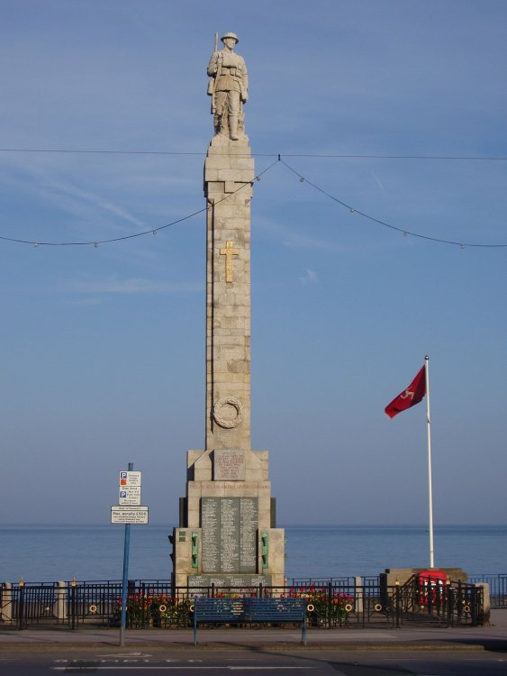 1200px-World_Wars_Monument_-_Isle_of_Man_-_kingsley_-_20-APR-09.jpg