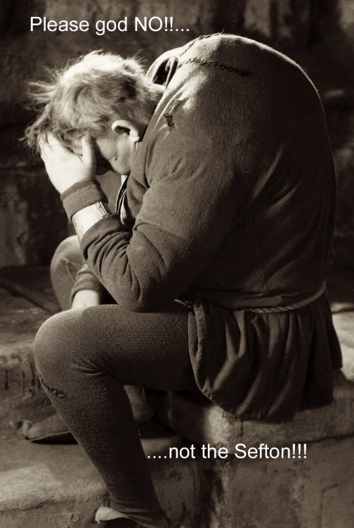 1075full-the-hunchback-of-notre-dame-(1939)-photo.jpg