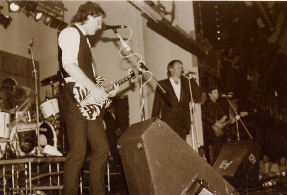 Dr Feelgood @ Palace Lido.jpg