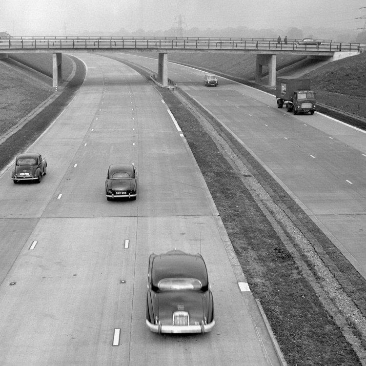 1999223559_motorway01.thumb.jpg.af6d0f9f03f54ca3324f66c7ef4b79a1.jpg