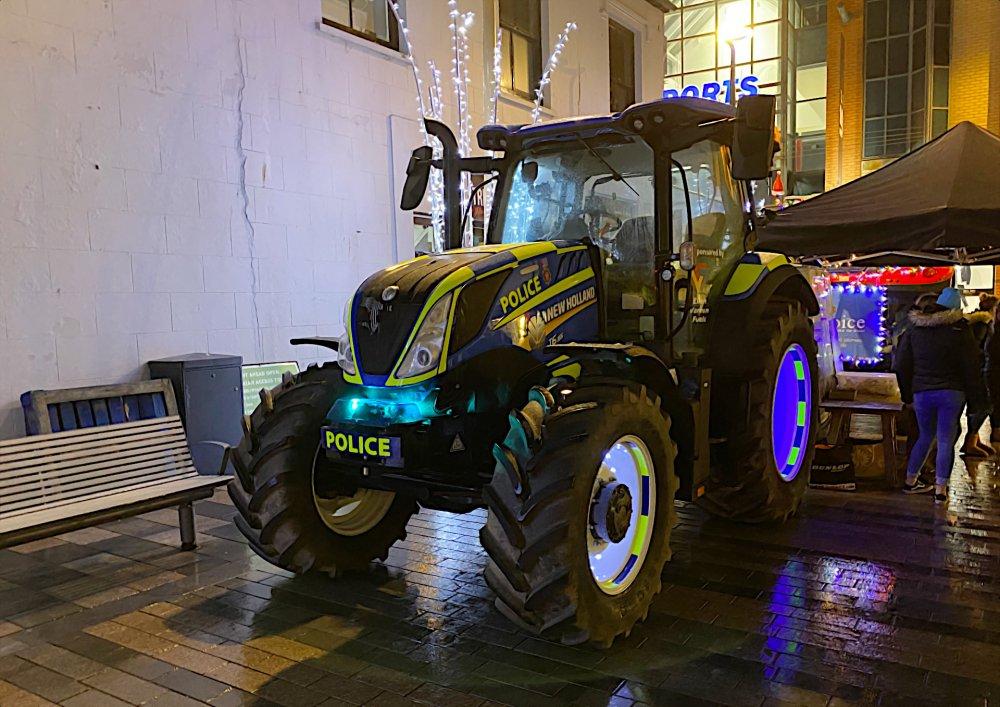 isle-of-man-police-tractor-iom-rpu.jpg
